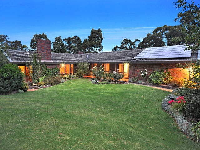 8 Boronia Road, Black Hill, Vic 3350