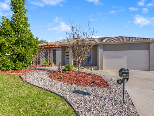 15 Crystal Court, Drouin, Vic 3818