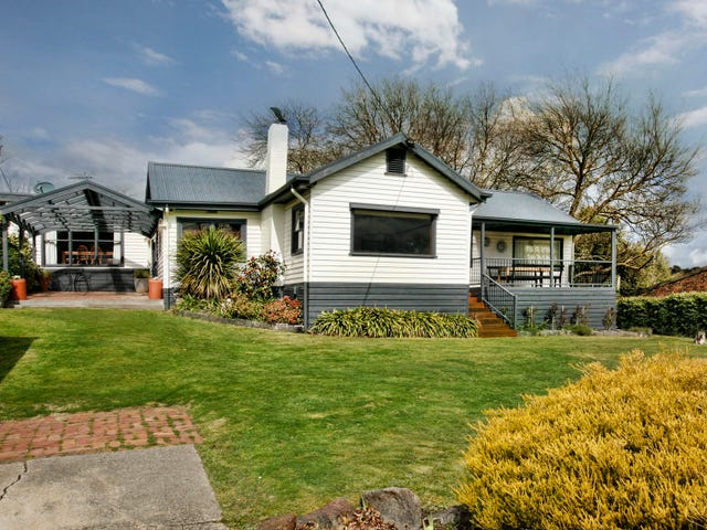 9 Fisher Street, Gisborne, Vic 3437