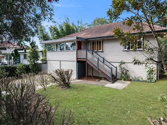 134 Bapaume Road, Holland Park West, Qld 4121