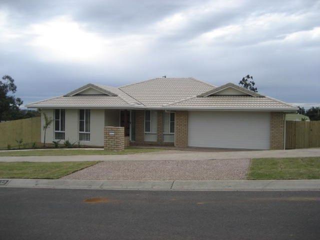32 Aruma Drive, Oakey, Qld 4401