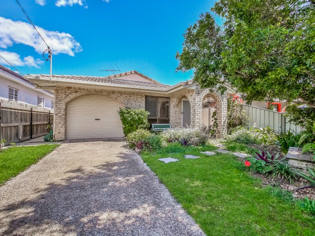 55 Victoria Avenue, Woody Point, Qld 4019