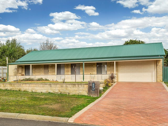 14 HERITAGE DRIVE, Broadford, Vic 3658