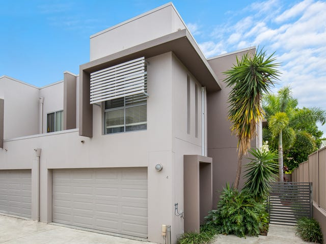 4/81 Pohlman Street, Southport, Qld 4215