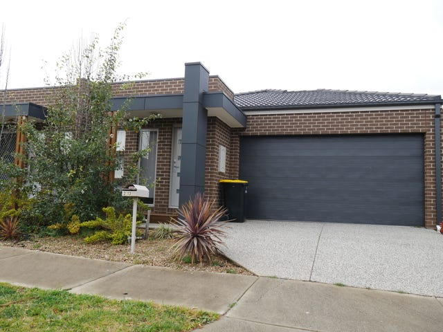 2/13 Stacey Court, Melton West, Vic 3337