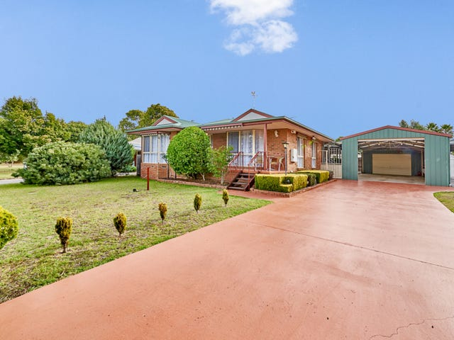 4 Iona Court, Cowes, Vic 3922