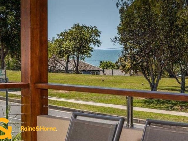 11 Ernest Street, Woody Point, Qld 4019