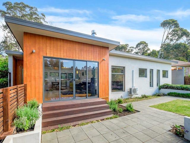 16 Saunders Crescent, South Hobart, Tas 7004