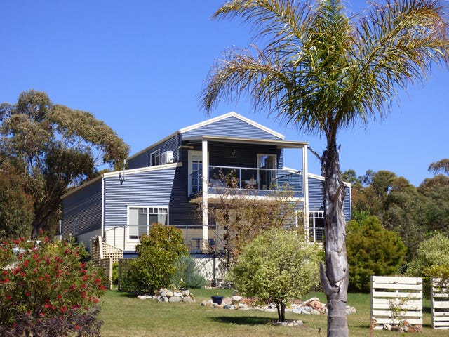 23377 Tasman Highway, Scamander, Tas 7215