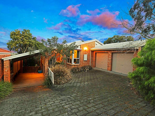 24 Lansbury Crescent, Highton, Vic 3216