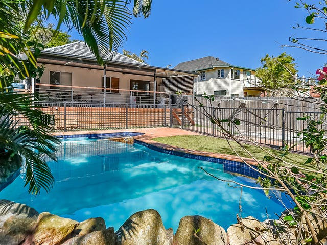21 Seabreeze Road, Manly West, Qld 4179