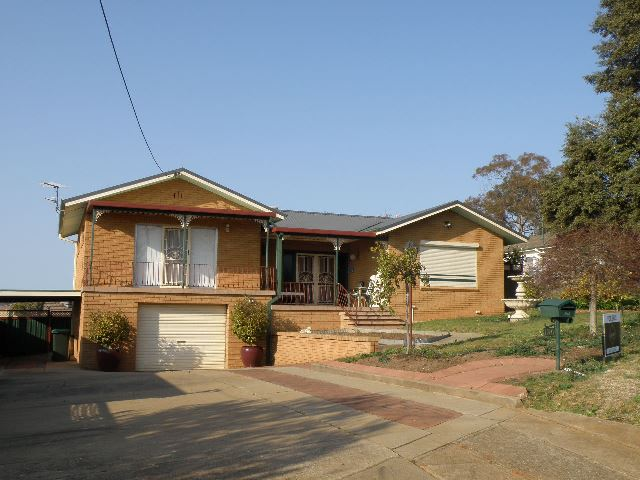 136 Wombat Street, Young, NSW 2594