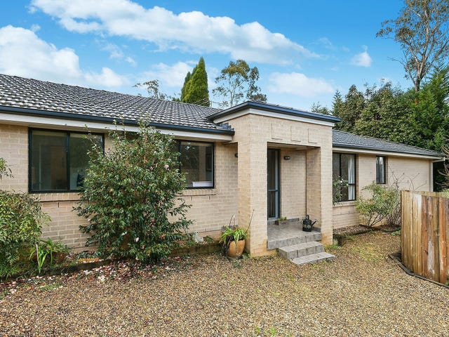 15 Beatty Road, Wentworth Falls, NSW 2782