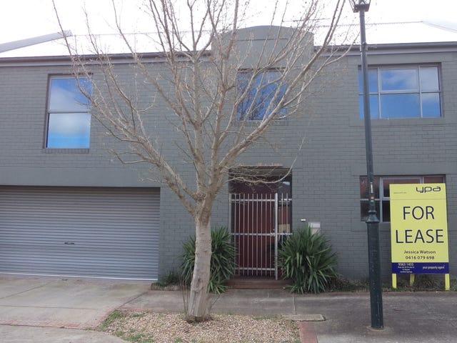 3 Salford Lane, Caroline Springs, Vic 3023