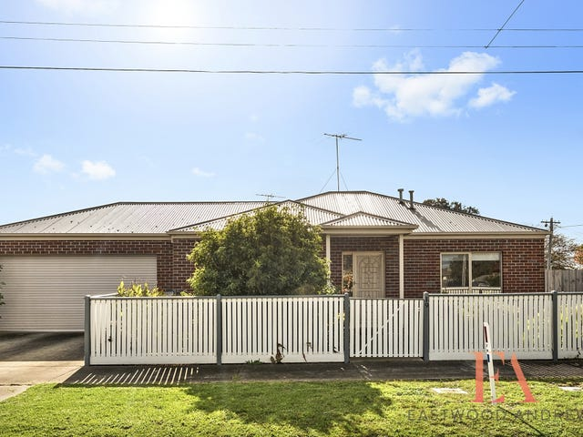 19 Cheltenham Road, Newcomb, Vic 3219