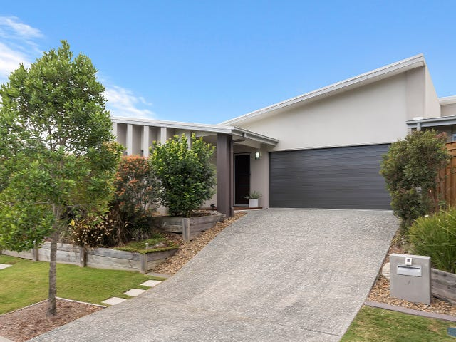 1/1 Euralla Street, Pacific Pines, Qld 4211