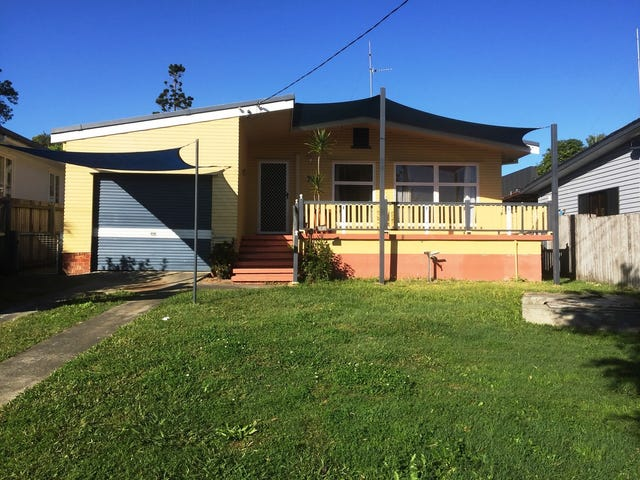 72 Central Street, Labrador, Qld 4215