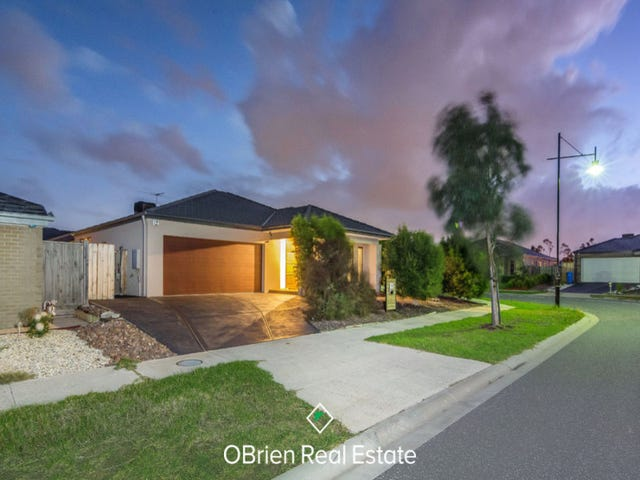32 Charlbury Crescent, Cranbourne North, Vic 3977