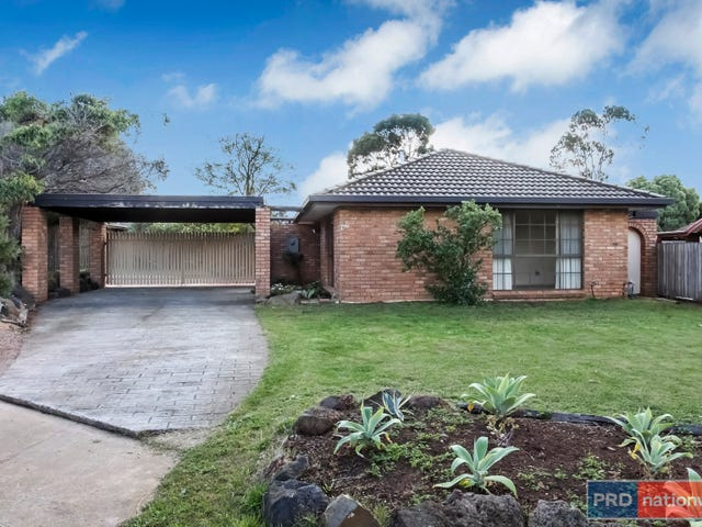 10 St John Place, Melton West, Vic 3337