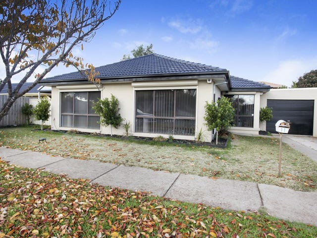 11 Albert Drive, Melton South, Vic 3338