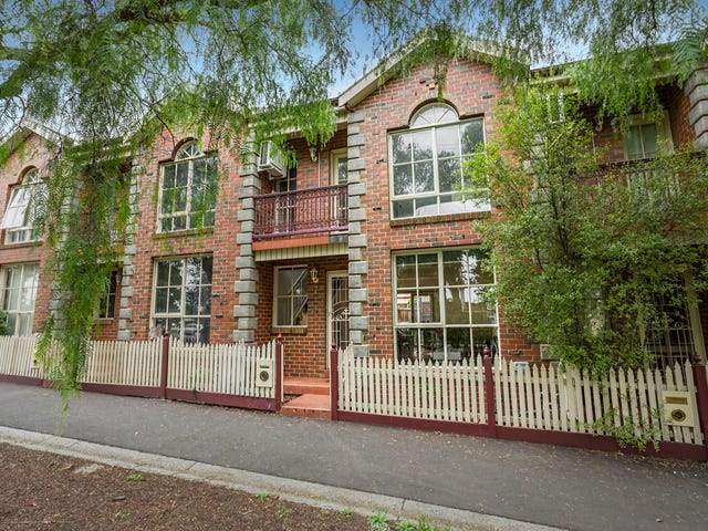 7 Smithfield Road, Kensington, Vic 3031