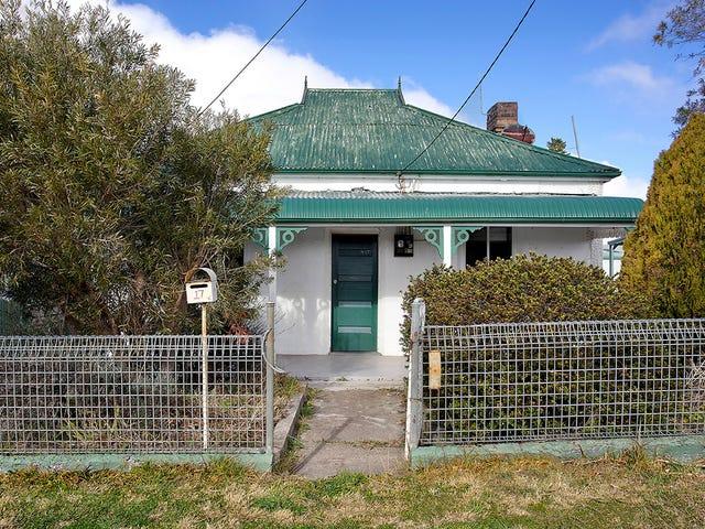 17 Roxburgh Street, Portland, NSW 2847
