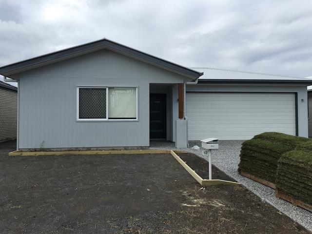 12 Henning Crescent, Meridan Plains, Qld 4551