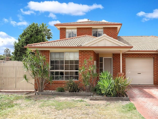 4/10 Brechin Court, Greenvale, Vic 3059