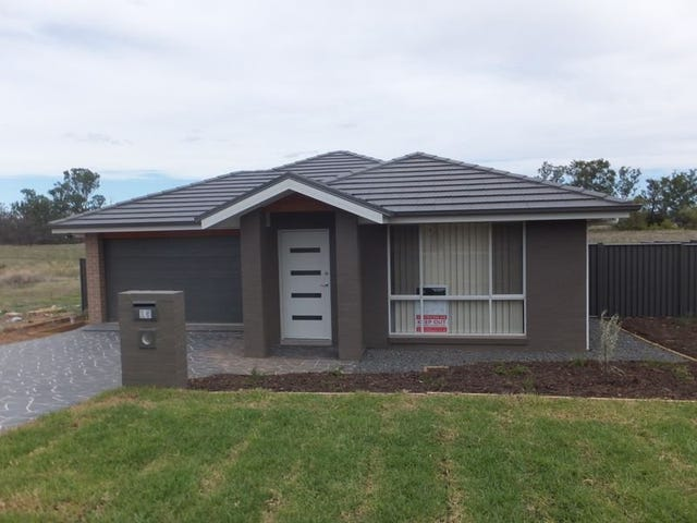 15 Regal Park Drive, Tamworth, NSW 2340