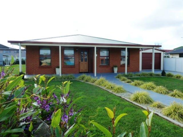 19 Bluewater Crescent, Wynyard, Tas 7325