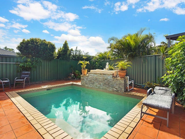 2/10 Russell Court, Miami, Qld 4220