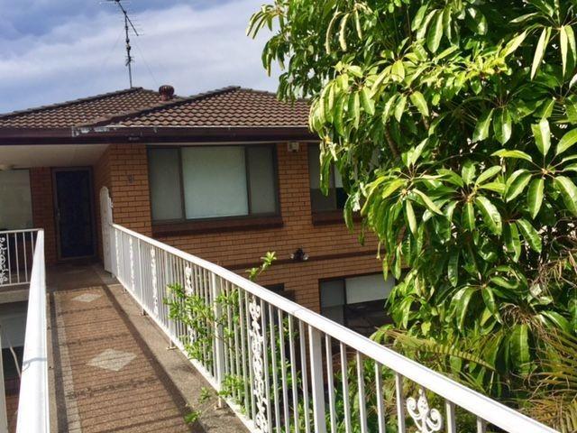 9 Woodlawn Ave, Mangerton, NSW 2500