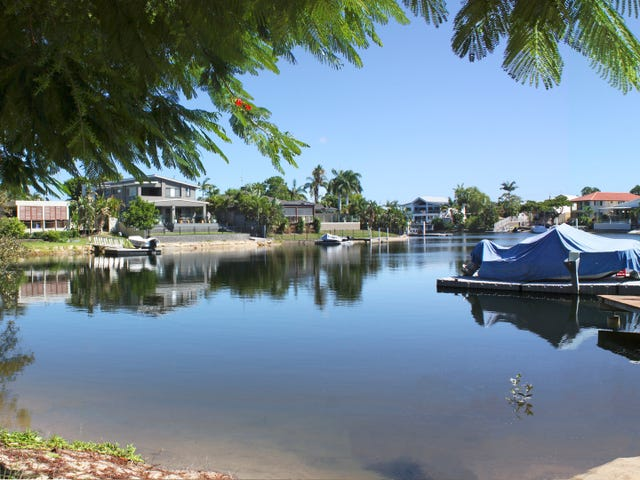 25 Lakeside Avenue, Broadbeach Waters, Qld 4218