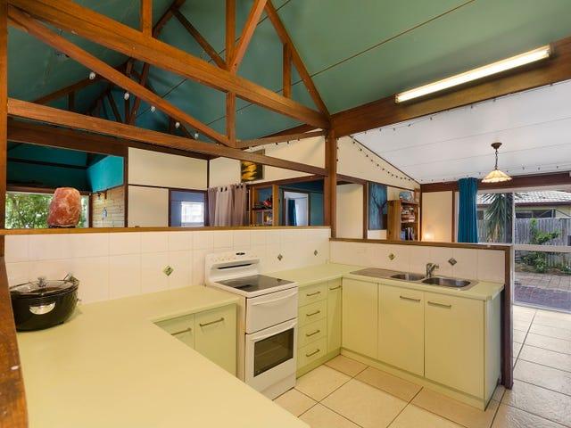 10 Woodlea Crt, Kelso, Qld 4815