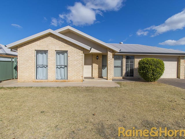 15A Dunheved Circle, Dubbo, NSW 2830