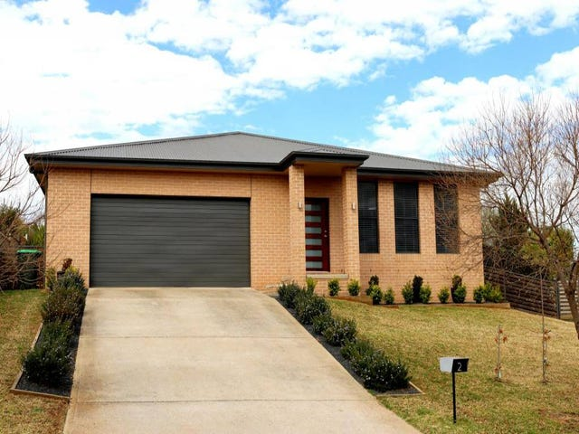 2 Bailes Crescent, Young, NSW 2594