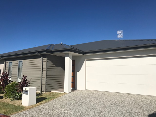 2 / 7 Flame Tree Avenue, Sippy Downs, Qld 4556