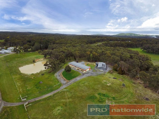 25 Clifton Road, Creswick, Vic 3363