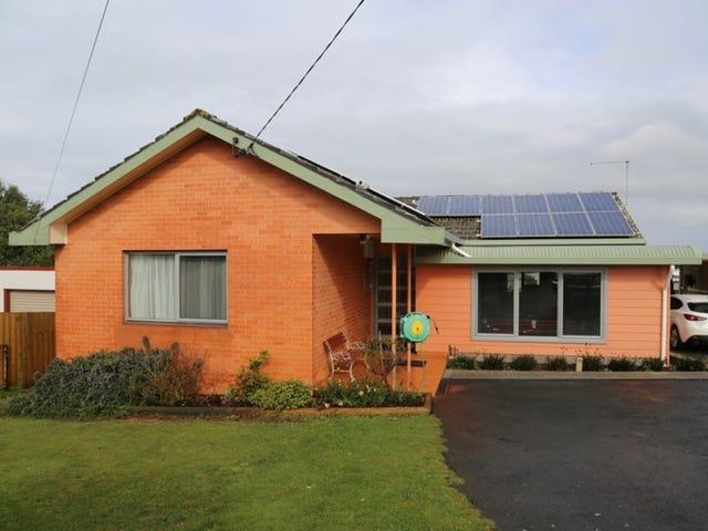 33 Upper Gibson Street, Smithton, Tas 7330