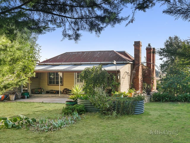 33 Bark Lane, Kyneton, Vic 3444