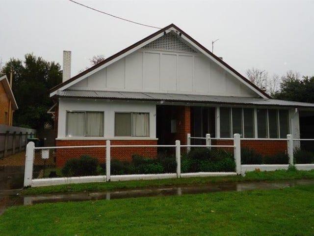 13 Freer St, Wagga Wagga, NSW 2650