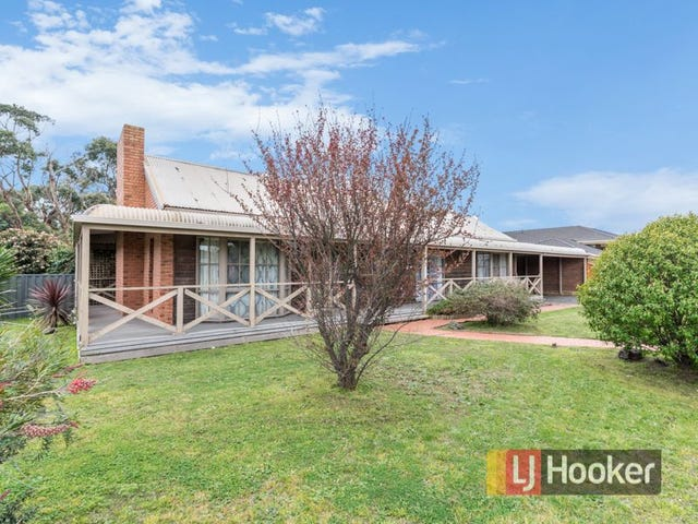 1 Lawless Drive, Cranbourne North, Vic 3977