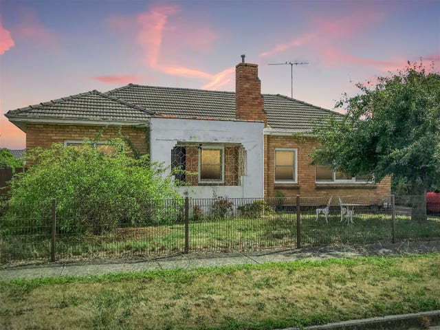 720 Gregory St, Soldiers Hill, Vic 3350
