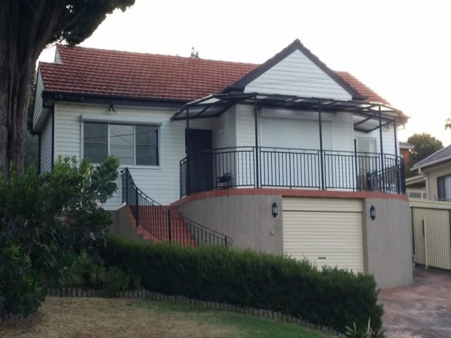 55 Stanleigh Avenue, West Wollongong, NSW 2500