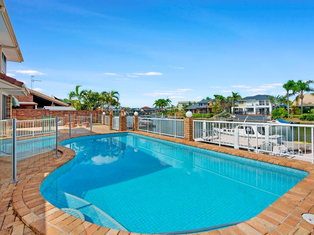 10 Pebble Beach Drive, Runaway Bay, Qld 4216