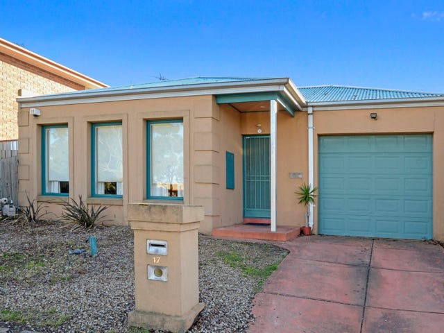 17 Penlow Court, Hillside, Vic 3037