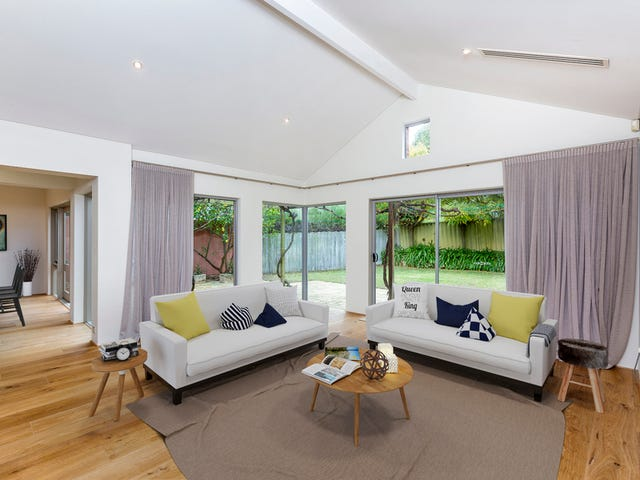 10 Kinross Crescent, Floreat, WA 6014