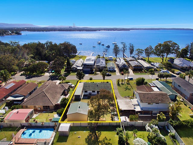 100 Grand Parade, Bonnells Bay, NSW 2264