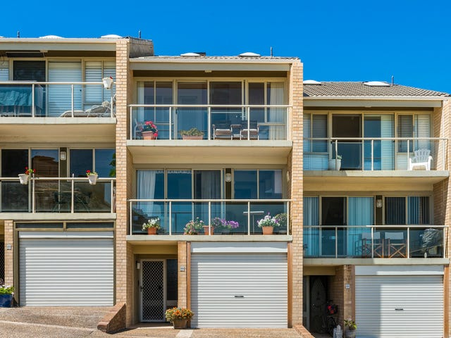 24/2-4 Beach Street, Curl Curl, NSW 2096