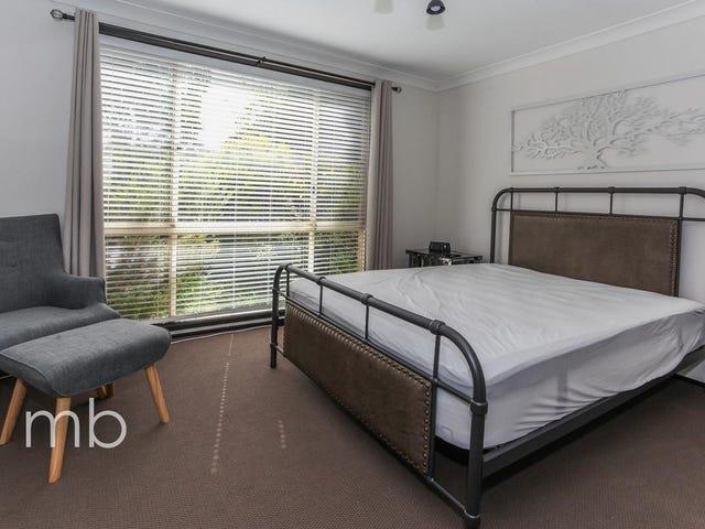 Room 1, 9 Crinoline Street, Orange, NSW 2800